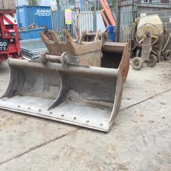 SELECTION OF 8T - 20T BUCKETS